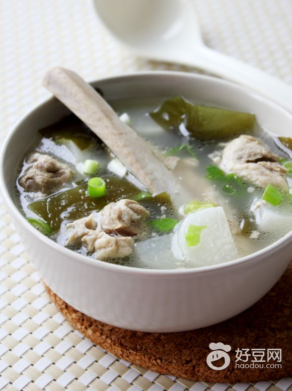 白萝卜海带排骨汤的做法