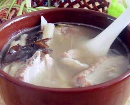 扁尖笋小排骨汤