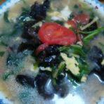 菠菜木耳鸡蛋汤