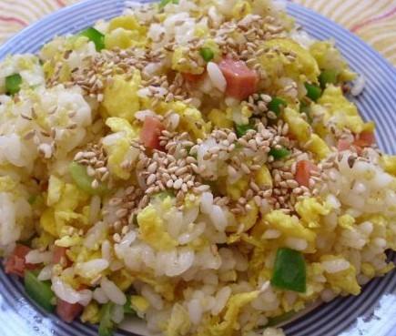 菜椒蛋炒饭的做法
