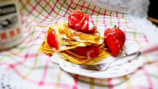 草莓可丽饼