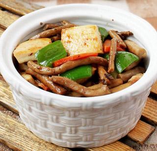 茶树菇烧豆腐的做法