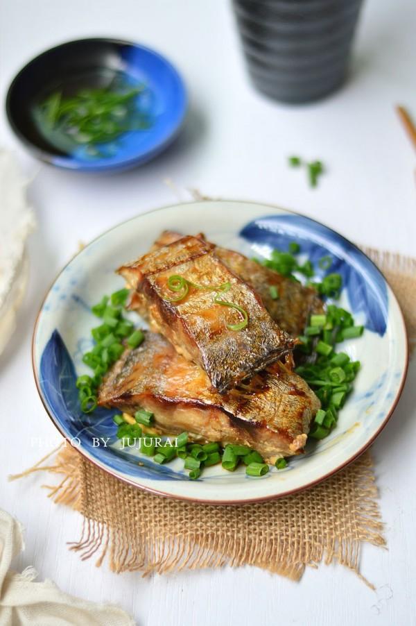 葱香烤带鱼的做法