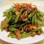 豆豉花肉炒扁豆的做法