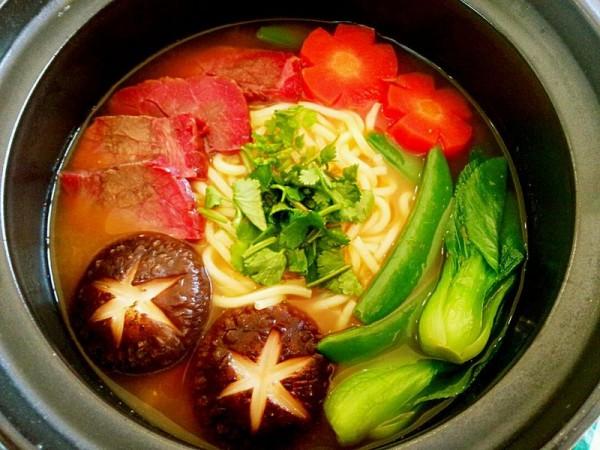 番茄浓汤牛肉面的做法