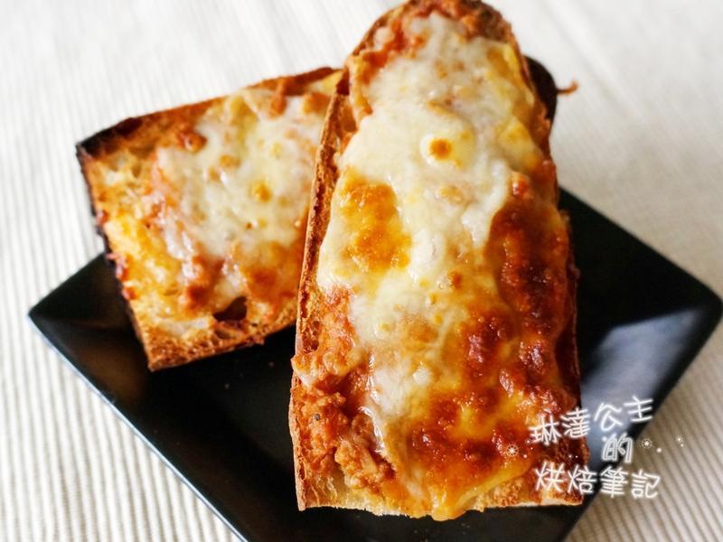 番茄肉酱起司麵包
