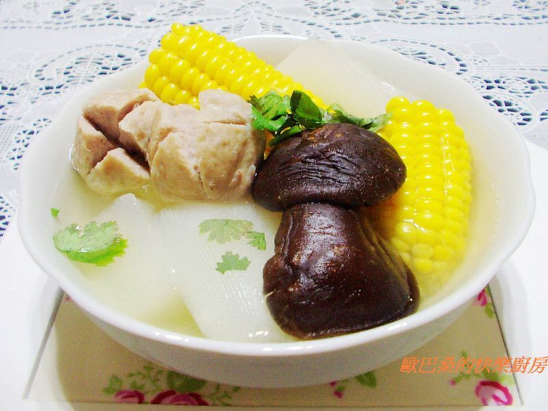 贡丸时蔬香菇汤