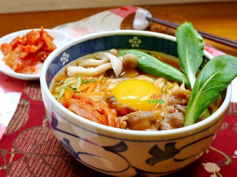 韩式泡菜烧肉拉面