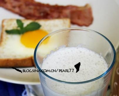 黑花生浆吐司早餐的做法