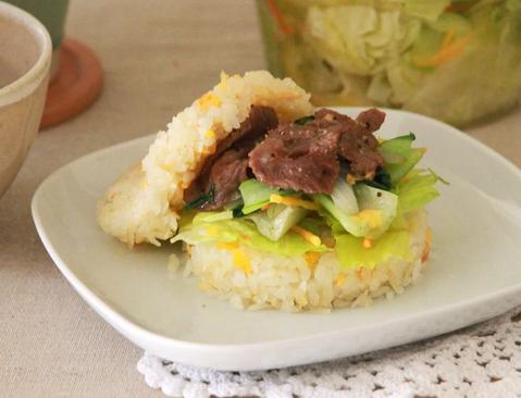 黑胡椒牛肉米汉堡