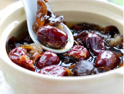 黑木耳红枣汤