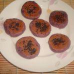 黑芝麻紫薯糯米饼的做法