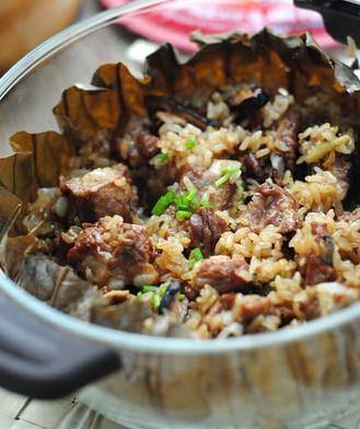 荷香糯米蒸排骨的做法