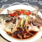 红烧味的蒸鲈鱼