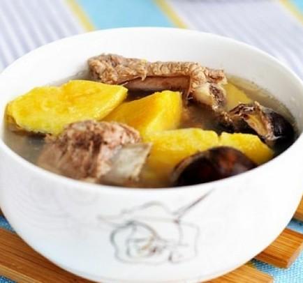 红薯栗子排骨汤的做法
