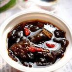 红糖姜丝炖木耳