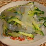黄瓜拌凉皮