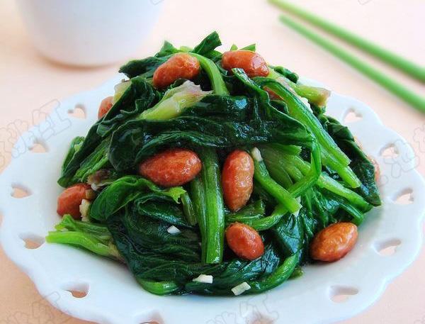 花生米拌菠菜的做法