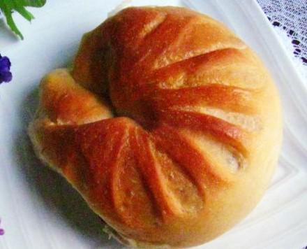 花样豆沙馅面包的做法
