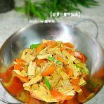 胡萝卜腐竹焖肉