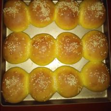 胡萝卜蜜豆餐包