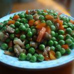 胡萝卜肉丁炒青豆