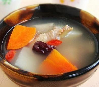 胡萝卜山药红枣鸡汤