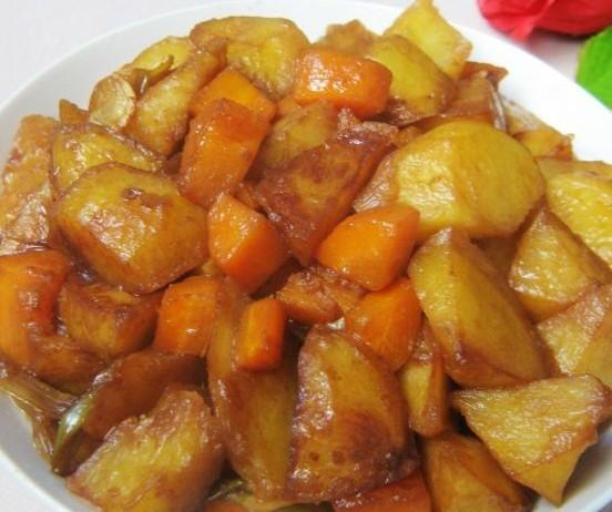 胡萝卜炖土豆