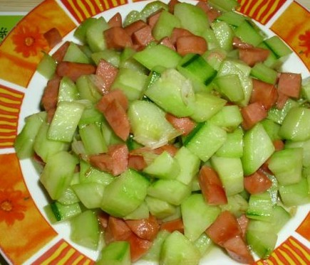 火腿黄瓜丁