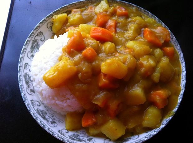 家常咖喱土豆饭的做法