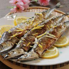 煎烤拧香秋刀鱼