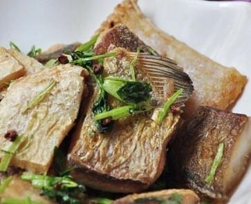 椒香糍粑鱼的做法