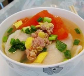 鸡蛋芹菜鲜肉汤水饺
