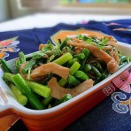 鸡柳炒蒜苔