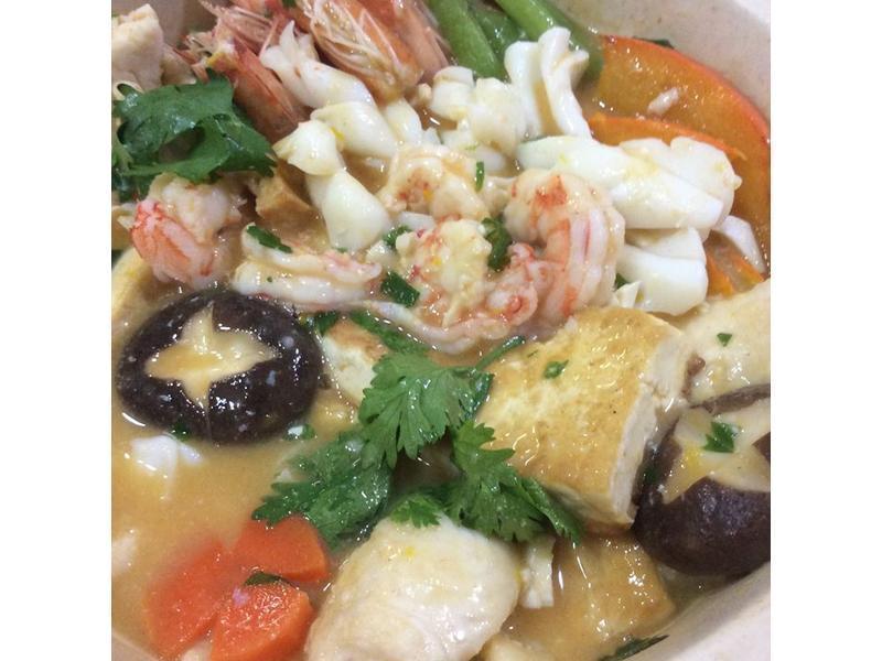 金沙海鲜豆腐煲