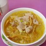 金针瘦肉粉丝汤