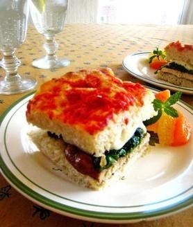 鸡肉菠菜三明治