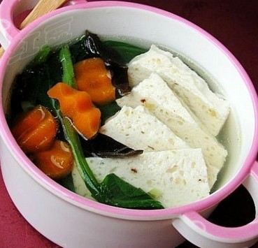 鸡肉豆腐蔬菜汤