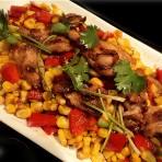 鸡腿肉炒玉米粒