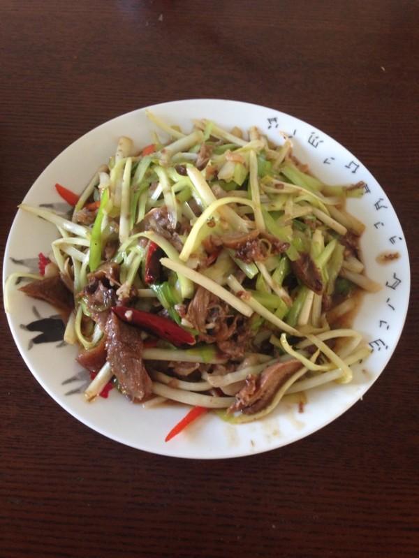 韭黄炒羊头肉