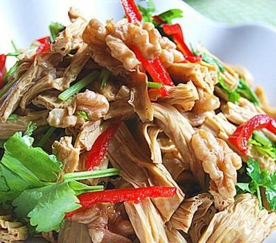 鸡汁腐竹拌核桃