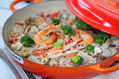 酷彩海鲜饭的做法