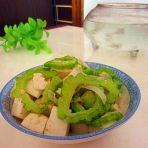 苦瓜烧豆腐的做法