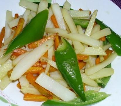辣炒土豆胡萝卜的做法