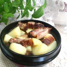 腊排骨炖土豆
