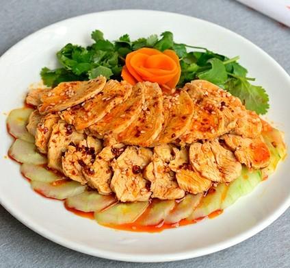 凉拌红油鸡肉片