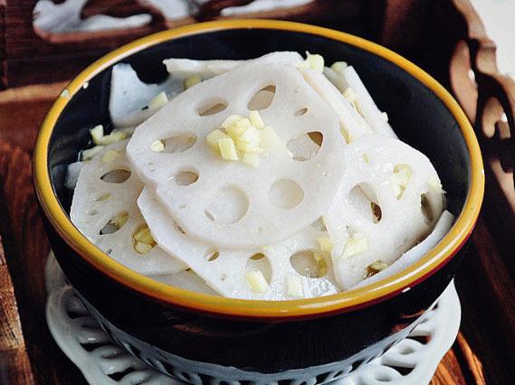 凉拌姜末藕的做法