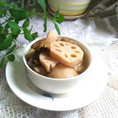 龙骨莲藕汤的做法