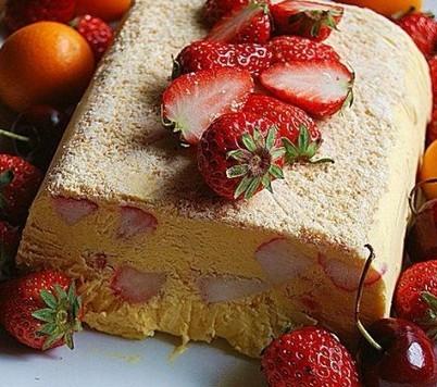 芒果草莓冰糕的做法
