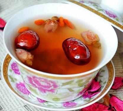 玫瑰花枣茶的做法